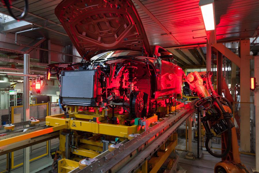 Automobilproduktion im BMW Werk München.
